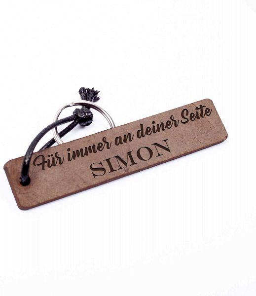 An deiner Seite | Schlüsselanhänger aus Echtleder mit Gravur Used Look | Personalisiert mit Namen