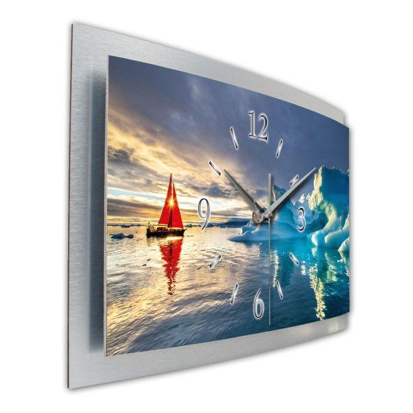 "3D Wanduhr ""Rotes Segelboot im Eismeer"" aus gebürstetem Aluminium mit leisem Funkuhrwerk"