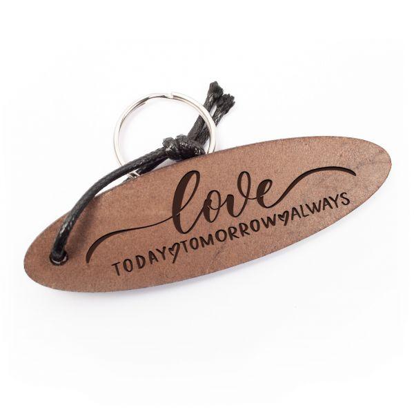 Schlüsselanhänger oval aus Echtleder mit Gravur im Used Look | love