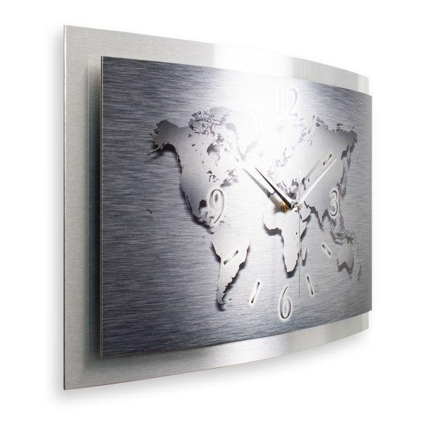 """3D Wanduhr """"Weltkarte"""" aus gebürstetem Aluminium mit leisem Funk- oder Quarzuhrwerk"""