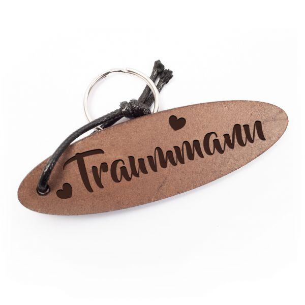 Schlüsselanhänger oval aus Echtleder mit Gravur im Used Look | Traummann