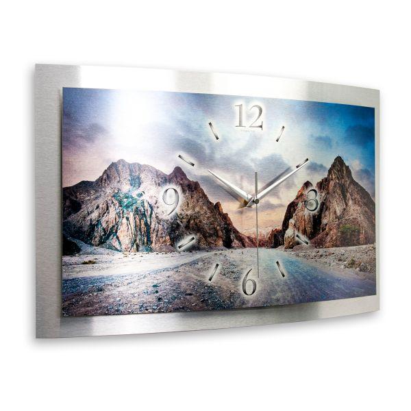 "3D Wanduhr ""Berglandschaft"" aus gebürstetem Aluminium mit leisem Funk- oder Quarzuhrwerk"