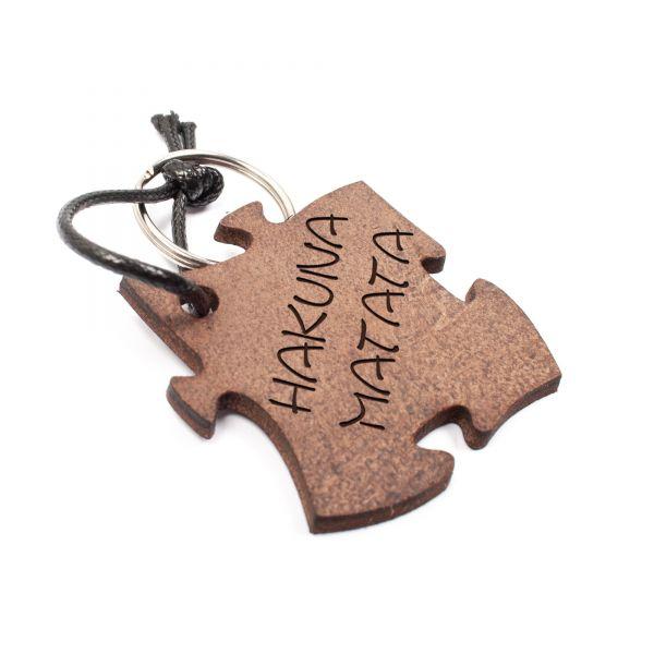 Schlüsselanhänger Puzzle aus Echtleder mit Gravur im Used Look | Hakuna Matata