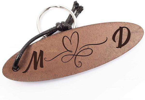 Herz | Schlüsselanhänger aus Echtleder mit Gravur im Used Look | Personalisiert mit Buchstaben
