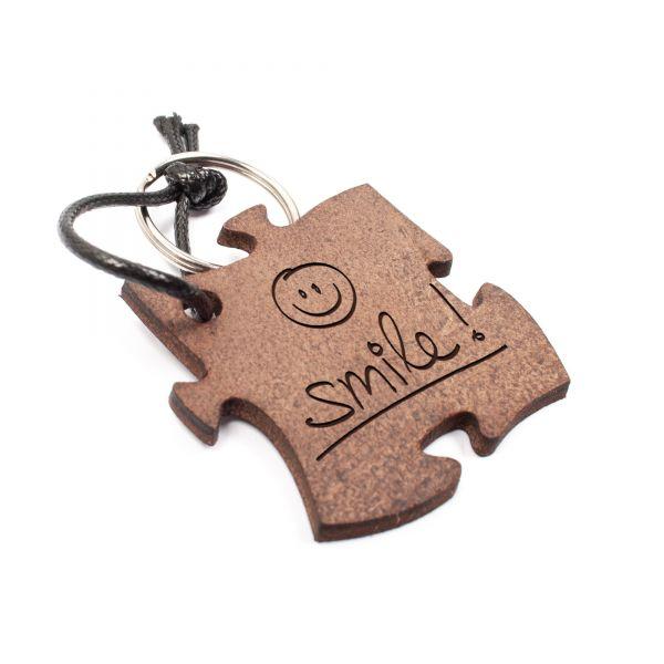 Schlüsselanhänger Puzzle aus Echtleder mit Gravur im Used Look | smile