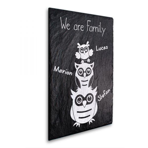 We Are Family Deko-Schild aus echtem Schiefer mit Ihrem Wunschtext