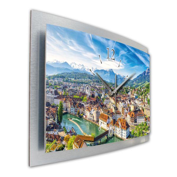 """3D Wanduhr """"Altstadt Luzern"""" aus gebürstetem Aluminium mit leisem Funk- oder Quarzuhrwerk"""