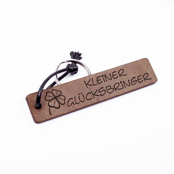 Schlüsselanhänger Rechteck aus Echtleder mit Gravur im Used Look | be happy