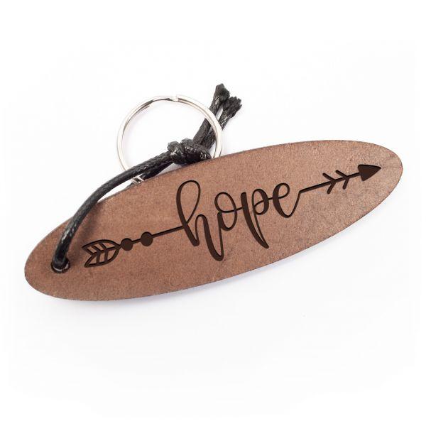 Schlüsselanhänger oval aus Echtleder mit Gravur im Used Look | hope