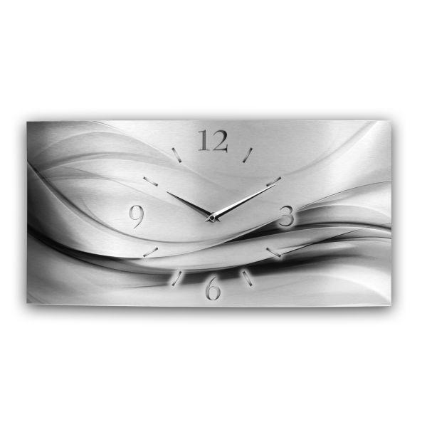Wanduhr Abstrakt Silver Metallic aus gebürstetem Aluminium mit leisem Funkuhrwerk
