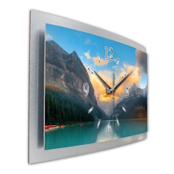 """3D Wanduhr """"See im Banff-Nationalpark"""" aus gebürstetem Aluminium mit leisem Funk- oder Quarzuhrwerk"""