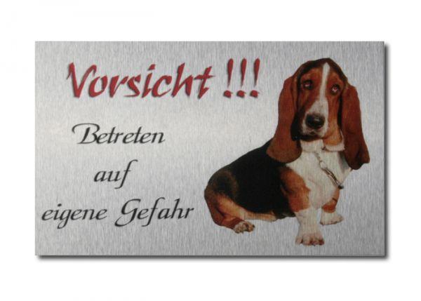 Hundewarnschild Basset Hound aus gebürstetem Alu-Verbund