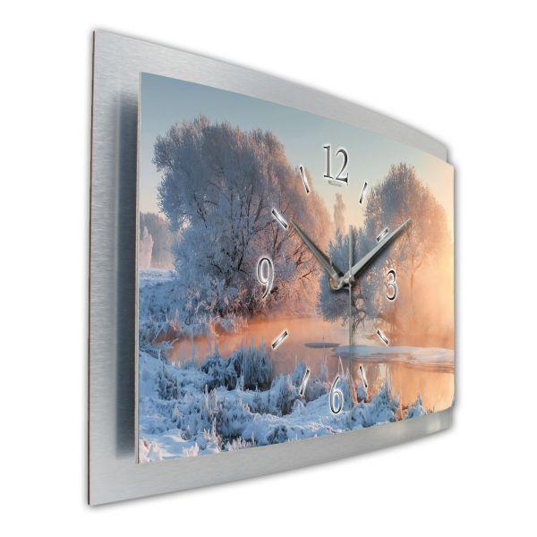 """3D Wanduhr """"Winterlandschaft"""" aus gebürstetem Aluminium mit leisem Funk- oder Quarzuhrwerk"""