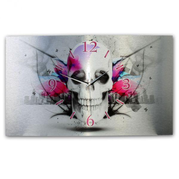 Wanduhr Skull aus gebürstetem Aluminium mit leisem Funkuhrwerk
